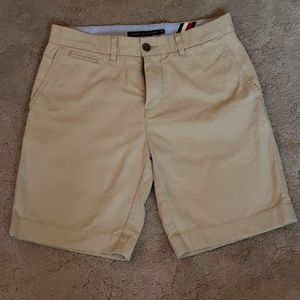 Men's Tommy Hilfiger Size 30 tan shorts